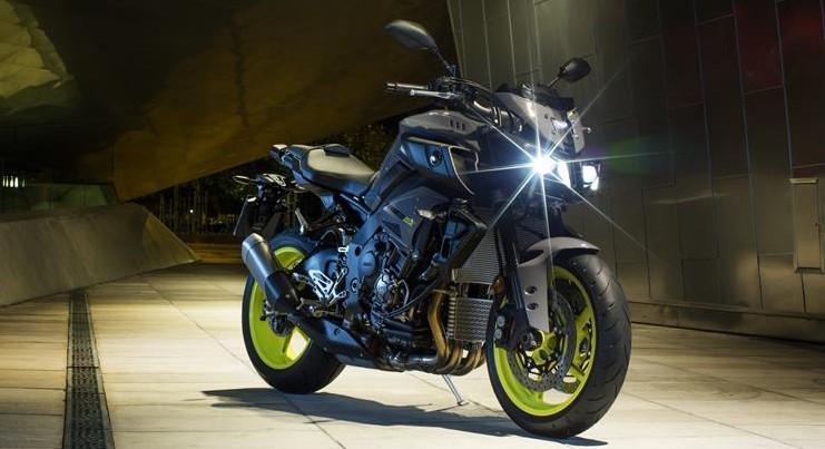 2016-Yamaha-MT-10-EU-Night-Fluo-Static-001